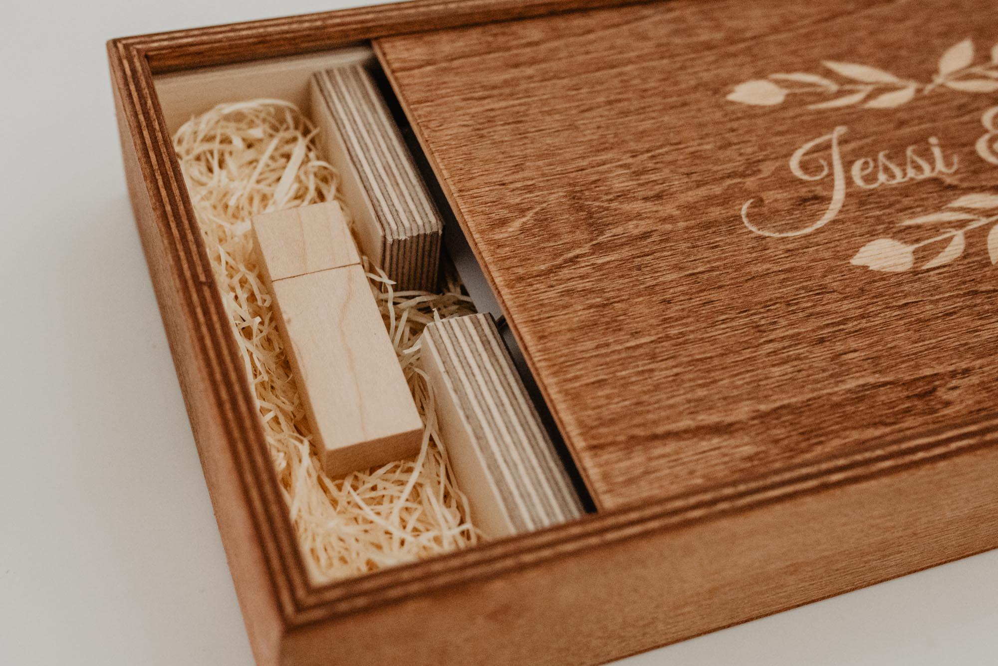 Hochzeitsfotograf Leipzig - Holzbox